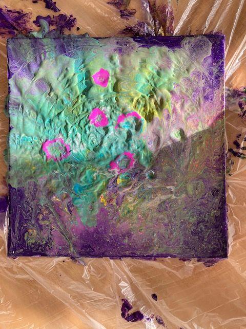 Bild acryl pouring in grün, rosa und lila Farben